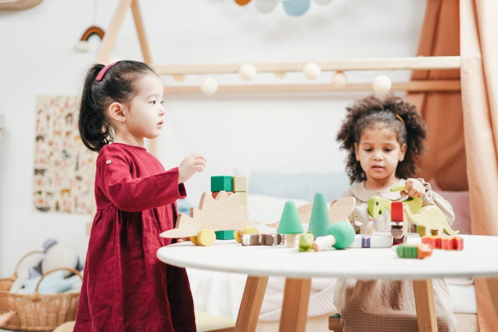 Tomás Elías González Benítez - Cómo Decorar Una Habitación De Niños